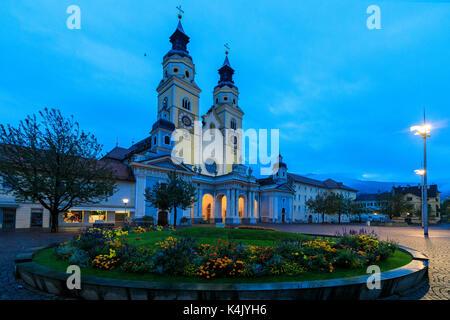 Nacht Blick auf den Dom von Brixen (Bressanone), Provinz Bozen, Südtirol, Italien, Europa - Stockfoto