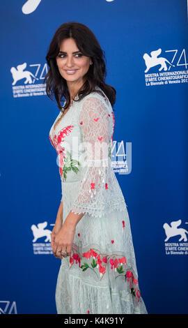 """Venedig, Italien. 6. Sep 2017. Schauspielerin Penelope Cruz besucht das Fotoshooting des Films """"Lieben Pablo"""" auf - Stockfoto"""