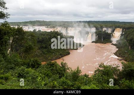 Iguazu falls Veiw aus Brasilien - Stockfoto