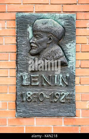 Close-up von Lenin Plakette, Statue Park (Szoborpark), Budapest, Ungarn - Stockfoto