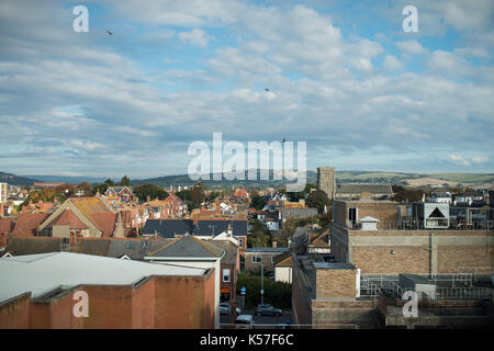 Häuser und Straßen in der Innenstadt von Worthing, West Sussex, England, UK.