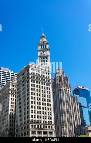 Wrigley Building und Tribune Tower in der Innenstadt von Chicago - Stockfoto