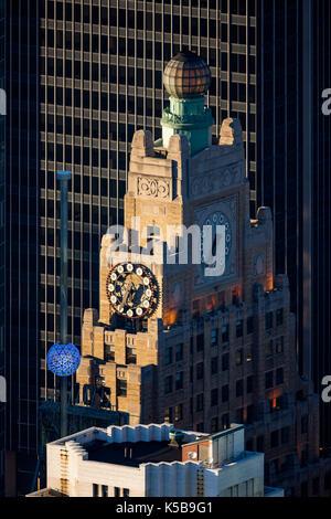 Paramount Building und der Times Square New Year's Eve Ball. Manhattan, New York City - Stockfoto