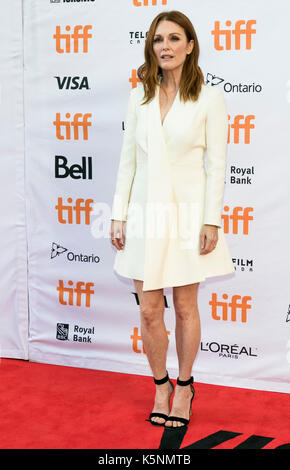Julianne Moore besucht die Premiere des uburbicon' während der 42 Toronto International Film Festival, tiff, an - Stockfoto