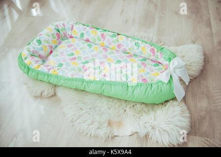 Betten Fur Kinder Schone Helle Textilien Stockfoto Bild 158544685