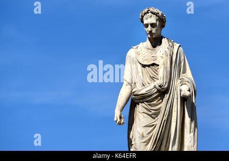 Ajaccio, Frankreich. 17. Juli 2017. Skulptur des früheren französischen Kaiser Napoleon Bonaparte in Ajaccio auf - Stockfoto