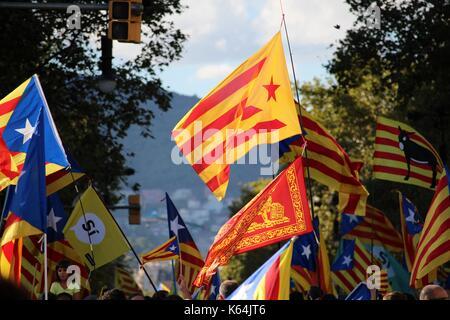 Barcelona, Spanien. 11 Sep, 2017. Katalanisch städtischer Abgeordneter Symbole an der Iada, der Nationalfeiertag - Stockfoto