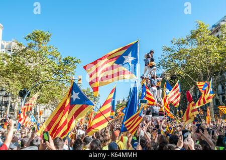 Barcelona, Spanien. 11 Sep, 2017. Tausende von pro-unabhängigkeit Flags (estelades) füllen die Straßen von Barcelona, - Stockfoto