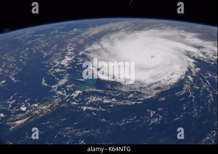 Hurricane Irma über die Turks- und Caicosinseln, wie es in der Karibik in Richtung South Florida als Kategorie 5 - Stockfoto