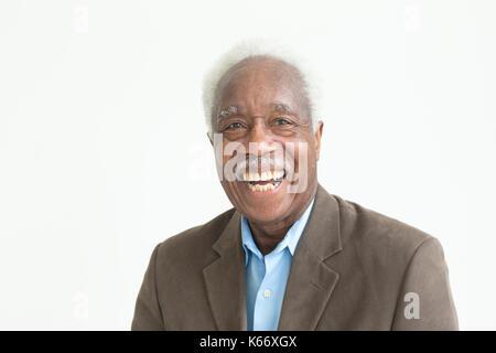 Portrait von Lachen älteren schwarzen Mann - Stockfoto