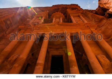 Al Khazneh - die Schatzkammer, antike Stadt Petra, Jordanien. - Stockfoto