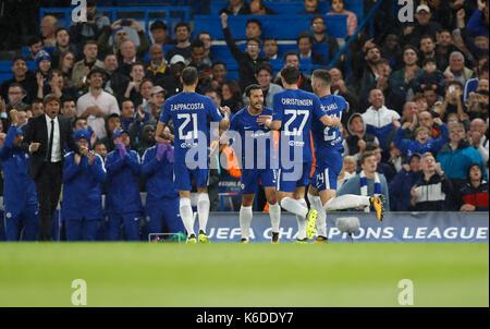 London, Großbritannien. 12 Sep, 2017. Die Spieler des FC Chelsea feiern, nachdem zählen während der UEFA Champions - Stockfoto