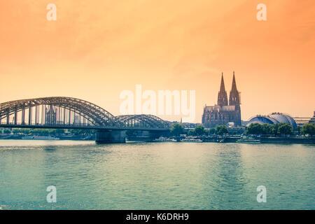 Kölner Dom und Hohenzollernbrücke, Köln - Stockfoto