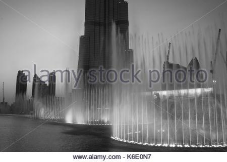 Dubai, Vereinigte Arabische Emirate - ca. August 2014: Wasser in der Dubai Mall - Stockfoto