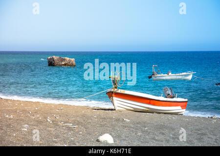 Die erstaunlichen tropischen Strand von Panagia Tripiti, auf Kreta, mit Sandstrand, türkisblaues Wasser und einige - Stockfoto