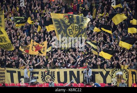 London, Großbritannien. 13 Sep, 2017. Der Dortmunder Fans vor dem Champions League Group Phase Match zwischen Borussia - Stockfoto