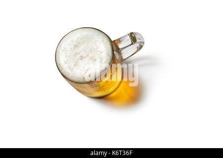 Bierkrug auf weißem Hintergrund. Top View - Stockfoto