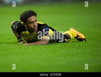 London, Großbritannien. 13 Sep, 2017. dpatop - Dortmunder Pierre-Emerick Aubameyang auf dem Boden während der Champions - Stockfoto