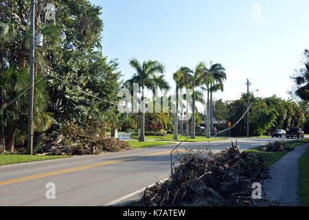 FORT LAUDERDALE, FL - 15. SEPTEMBER: Florida Bewohner noch ohne elektrische. Millionen sind immer noch ohne Strom - Stockfoto
