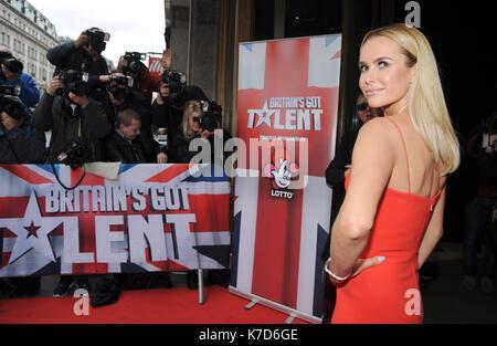 Foto muss Gutgeschrieben © Alpha Presse 078237 07/04/2016 Amanda Holden werden bei der Großbritannien Got Talent - Stockfoto