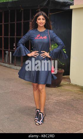 Mumbai, Indien. 18 Sep, 2017. Indische Schauspielerin Shilpa Shetty stellen im Falle von Farben & Über einen Branchen - Stockfoto