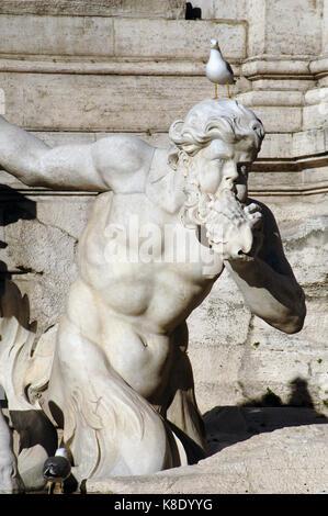 Italien. Rom. Der Trevi Brunnen. Barock. Von Nicola Salvi entworfen und von Pietro Bracci abgeschlossen. 1762. Zwei - Stockfoto