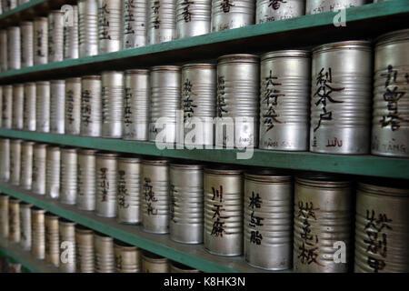 Traditionelle chinesische Medizin Apotheke. Ho Chi Minh Stadt. Vietnam. - Stockfoto