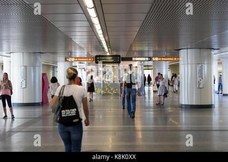 Wien, Österreich - 23 August 2017: Die Metro-station Österreich in der Stadt Wien. - Stockfoto