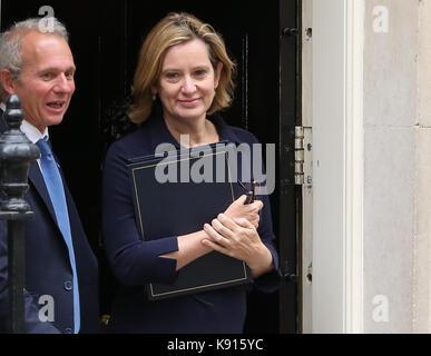 London, Großbritannien. 21 Sep, 2017. Amber Rudd Staatssekretär für das Home Abteilung. Minister verlassen eine - Stockfoto