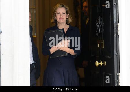 London, Großbritannien. 21 Sep, 2017. Staatssekretär für die Home Abteilung Amber Rudd Blätter Nr. 10 Downing Street - Stockfoto