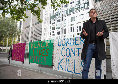 London, Großbritannien. 21 Sep, 2017. Jonathan Bartley, Co - Führer der Grünen Partei, spricht bei einem Notfall - Stockfoto