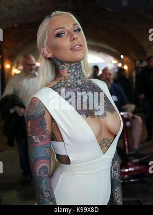 London, Großbritannien. 22 Sep, 2017. Die hoch erwartete London Tattoo Convention 13. Ausgabe schließlich an Tabak - Stockfoto