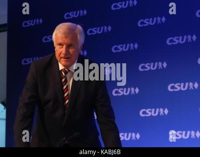 München, Deutschland. 25 Sep, 2017. Horst Seehofer nach langer Diskussion in der Partei Caucus Bayerns Ministerpräsident - Stockfoto
