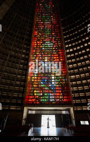 Buntglasfenster, Catedral Metropolitana de São Sebastião, Centro, Rio de Janeiro, Brasilien, Südamerika - Stockfoto