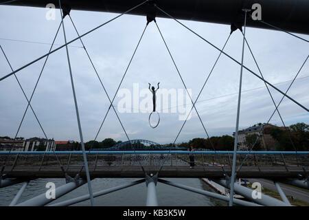 Vater Bernatek Fußgängerbrücke über der Weichsel in Krakau, Polen, Europa - Stockfoto
