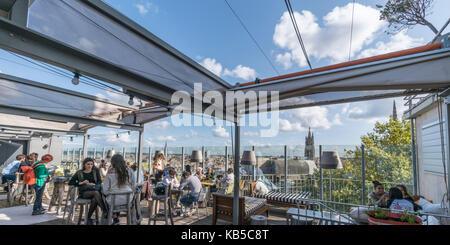 Mama Shelter Design Hotel, entworfen von Philipp Starck, Sky Bar, Dachterrasse, Bordeaux, Frankreich - Stockfoto