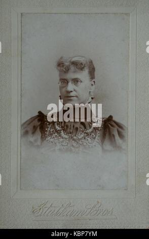 Archiv der älteren Frau