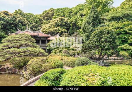 Japanischer Garten in Shinjuku Gyoen National Garten, Tokyo, Japan | Japanischer Garten im Shinjuku Gyoen National - Stockfoto