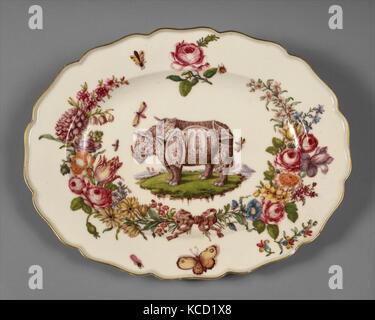 Teller, Ca. 1752 - 56, britische, Chelsea, weiche Hartporzellan, 12 3/4 x 9 3/4 in. (32,4 x 24,8 cm), Keramik, Porzellan, - Stockfoto