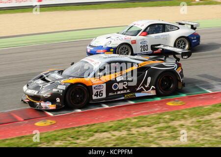 Mugello, Italien. 6. Okt, 2017. Ein FERRARI 488 GT3 von Team Black Bull Swiss Racing, durch s angetrieben. Gai und - Stockfoto