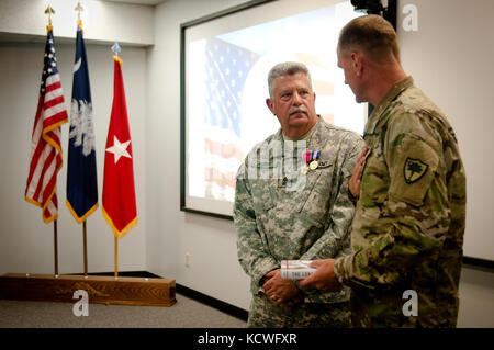 Us-Armee Sgt. maj. James s. York, Joint Forces Headquarters, South Carolina Army National Guard, geht in den Ruhestand - Stockfoto