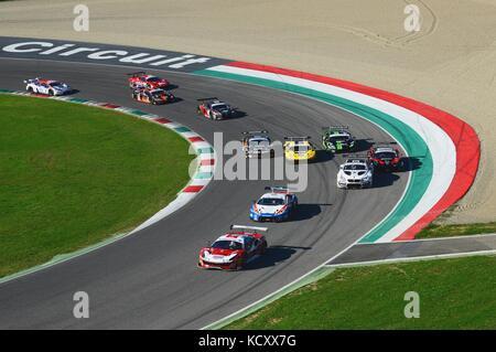 Mugello, Italien. 7 Okt, 2017. start Rennen #1 Letzte Runde der c.i. Gran Turismo Super GT3-GT3 in Mugello. Credit: - Stockfoto
