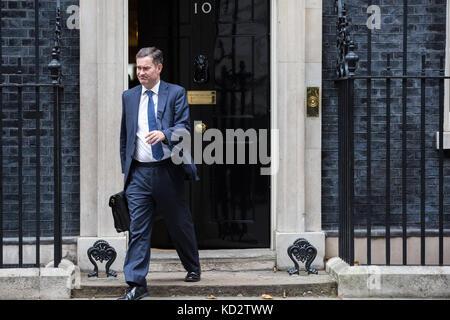 London, Großbritannien. 10 Okt, 2017. David gauke mp, Minister für Arbeit und Altersversorgung, Blätter 10 Downing - Stockfoto