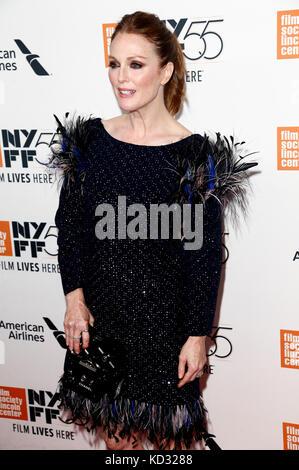 Julianne Moore besucht die 'überrascht' Premiere während der 55Th New York Film Festival in der Alice Tully Hall - Stockfoto
