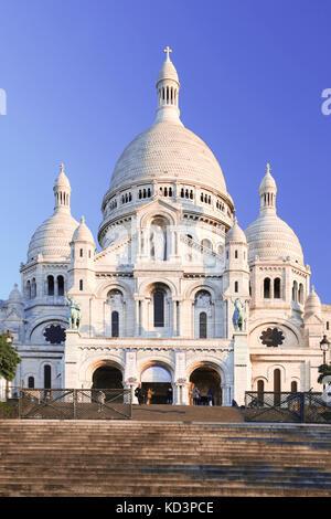 Paris mit Basilika Sacre Coeur in Frankreich - Stockfoto