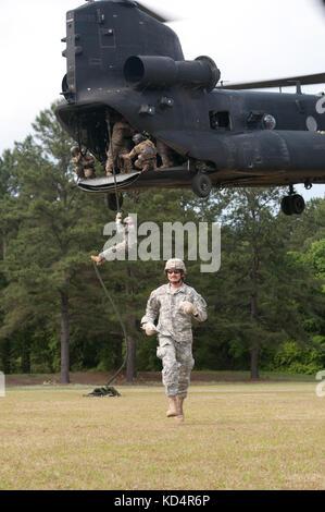 Us-Armee Sgt. Alexander pigott zum 4 Bataillon zugeordnet, 118 Infanterie Regiment, 218 Manöver Verbesserung Brigade, - Stockfoto