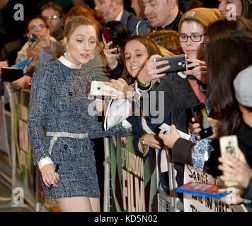 Foto Muss Gutgeschrieben werden ©Alpha Press 079965 08/10/2017 Saoirse Ronan Am Chesil Beach Screening während des - Stockfoto