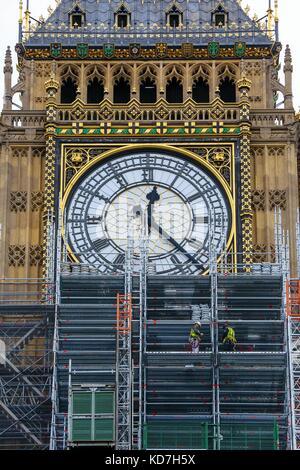Westminster. London, UK. 10.Oktober 2017. Die Arbeitnehmer Sanierung Elizabeth Tower allgemein bekannt als Big Ben - Stockfoto