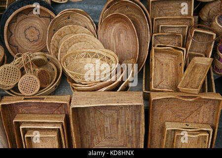 Körbe und Korbwaren zum Verkauf in Bali - Körbe und Geschenke für Verkauf auf Bali - Stockfoto