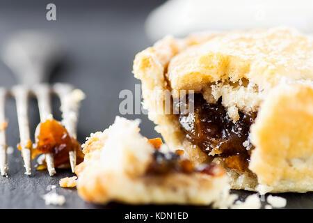 apfelkuchen dessert stockfoto bild 80845653 alamy. Black Bedroom Furniture Sets. Home Design Ideas